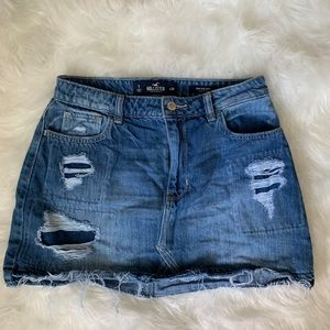 Hollister distressed denim skirt